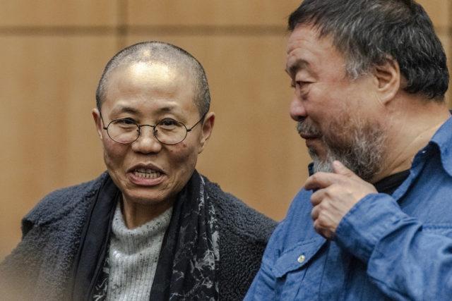 Der chinesische Künstler Ai Weiwei und die chinesische Malerin, Dichterin und Fotografin Liu Xia