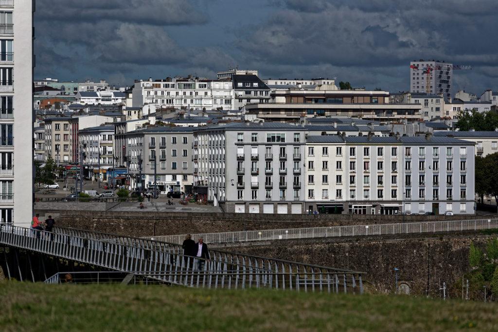 Der Wiederafbau der fast völlig zerstörten Hafenstadt Brest nach dem Ende des zweiten Weltkrieges führte zu einer eigenartigen Architektur