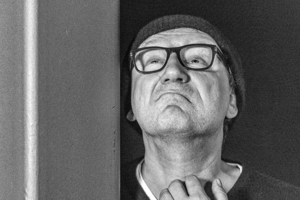 """Der Schauspieler Rainer Bock bei der Uraufführung der Satire """"Der König von Köln"""" am 09. Dezember 2019"""